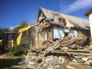 Демонтаж дома с вывозом мусора